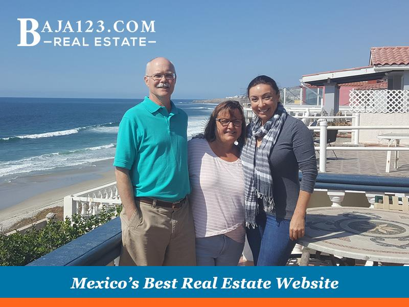 First time in Rosarito clients with Claudia, at San Antonio del Mar
