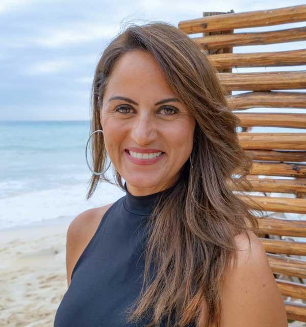 Jennifer Hechler