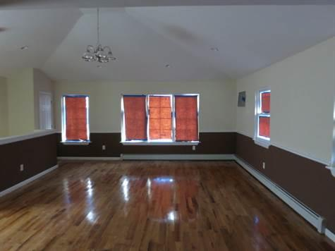 3544 McOwen Avenue, Eastchester, Bronx NY 10475
