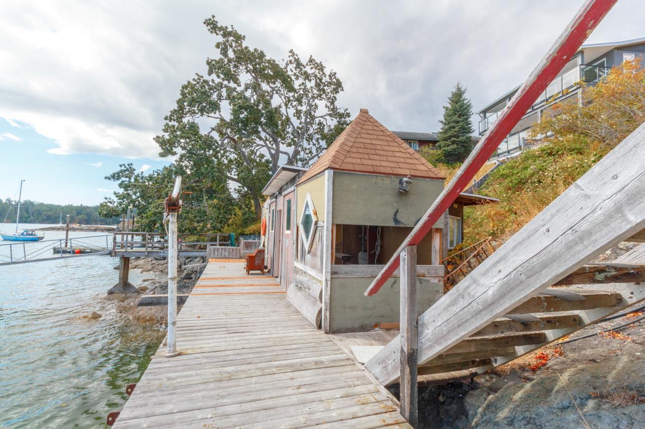 Boat House Kerwood Street Ocean front property, David Stevens Royal LePage