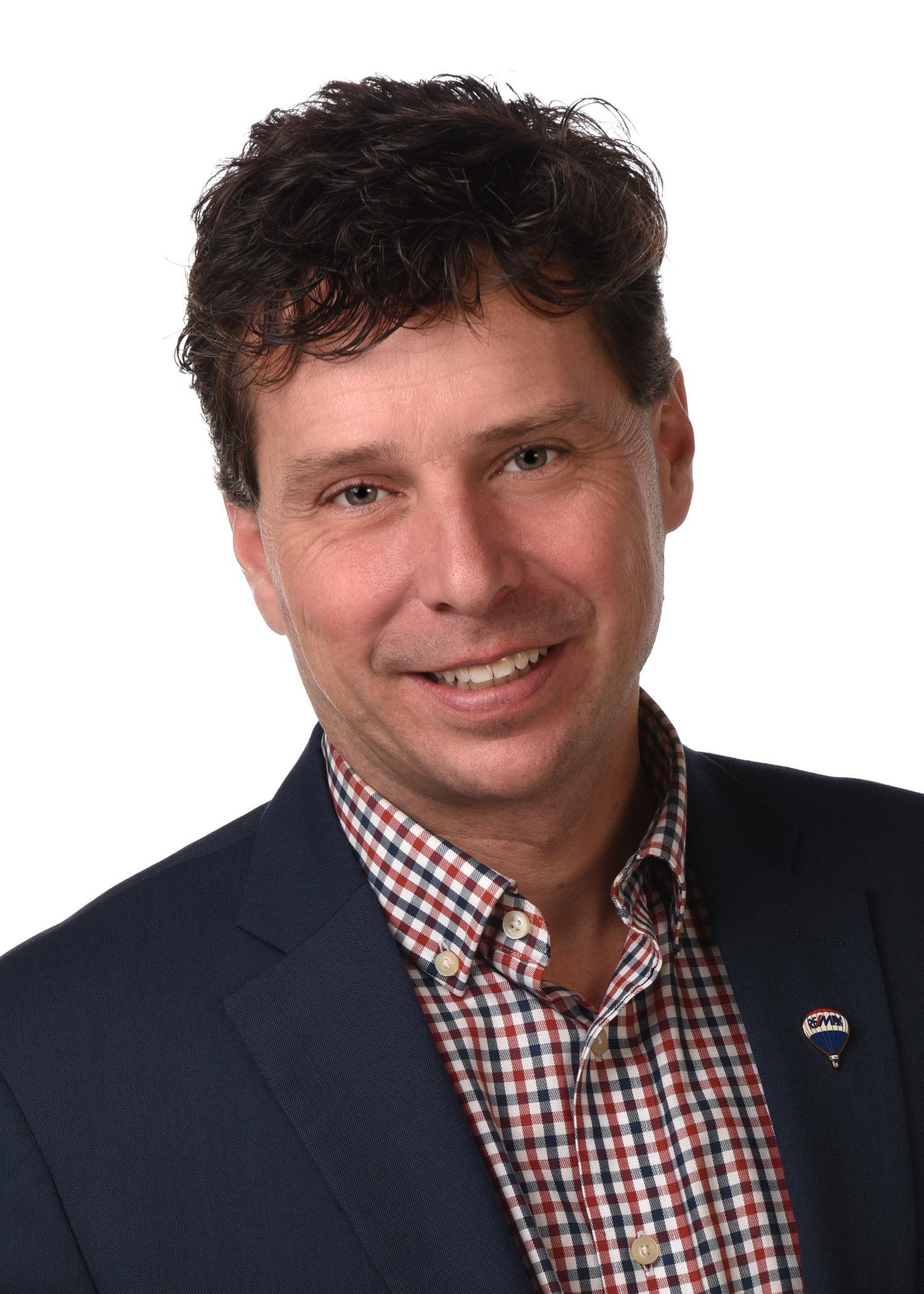 Steve Liddle, Broker