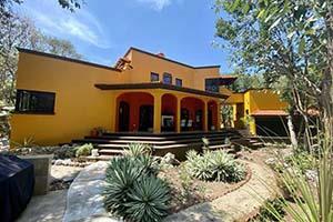 Casa de las Iguanas 4-Bedroom House