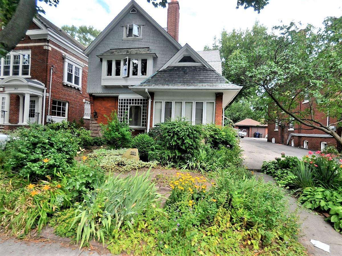 261 Indian Road, High Park