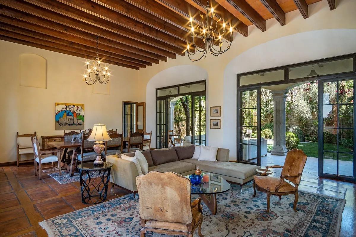San Miguel de Allende Real Estate Property - Comedor nuñez