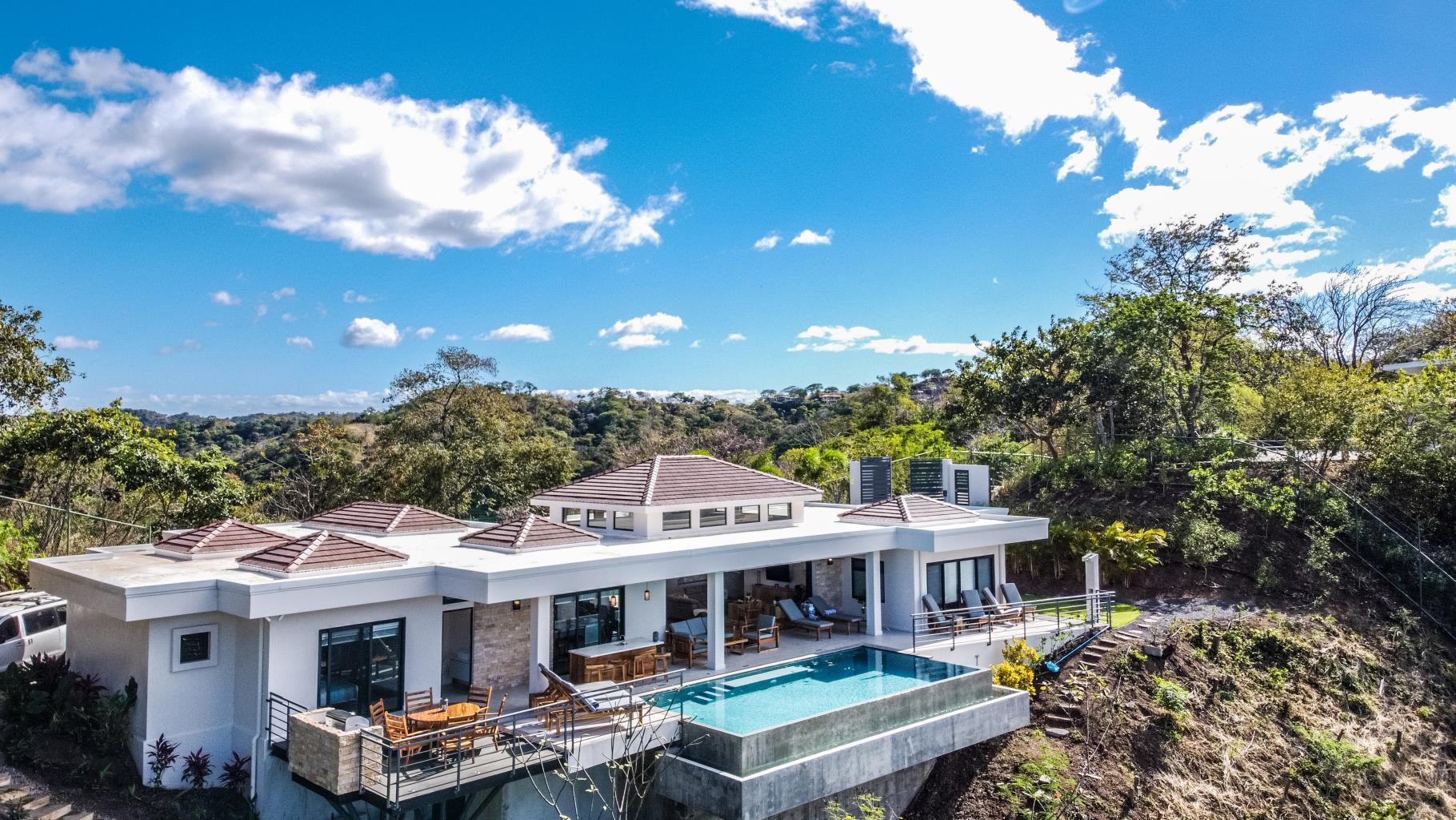 Luxury Home in Playa Hermosa