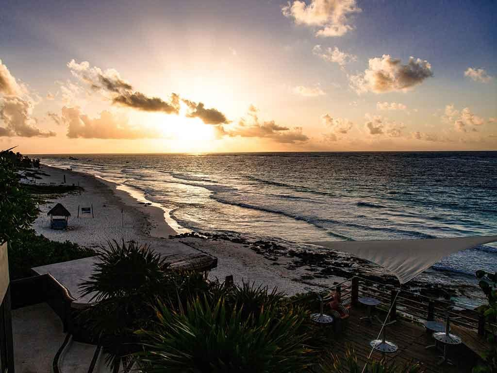 List with Living Riviera Maya Real Estate