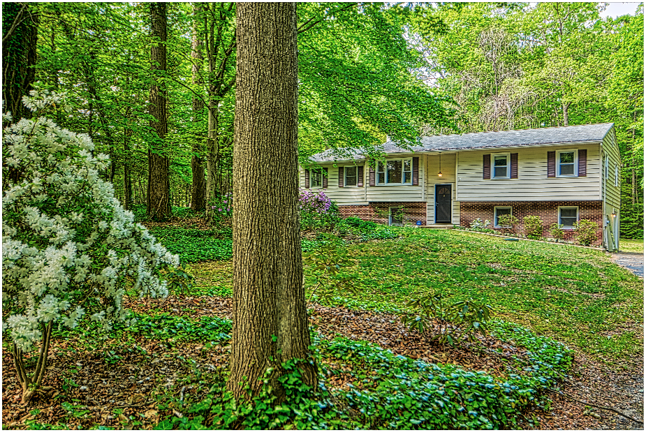 Beautiful Mechanicsville Home in Country Lakes, in Mechanicsville Offers PRIVACY GALORE!  Spacious inside & out!  Call Marie Lally at 301-748-8698 to Schedule Your Private Home Tour!  Great Southern Maryland Home for Sale by Marie Lally, Realtor with O'Brien Realty!