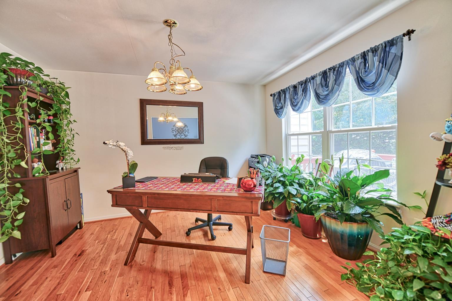 2733 Stanford Place in Waldorf MD - gorgeous dining room space!