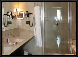 Bathroom02.jpg