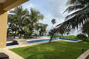 Casa Kukulcan 4-Bed Beachfront Home