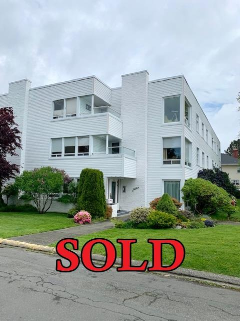 Oak Bay Condo sold by David Stevens and Nikki Tomley