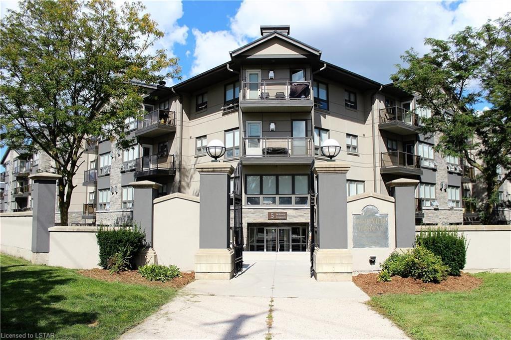 5 Jacksway Condominium For Sale