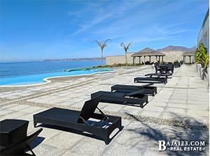 Oceanfront Pool at Palacio del Mar