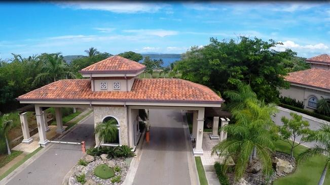Entranceway to Hacienda del Mar in Costa Rica