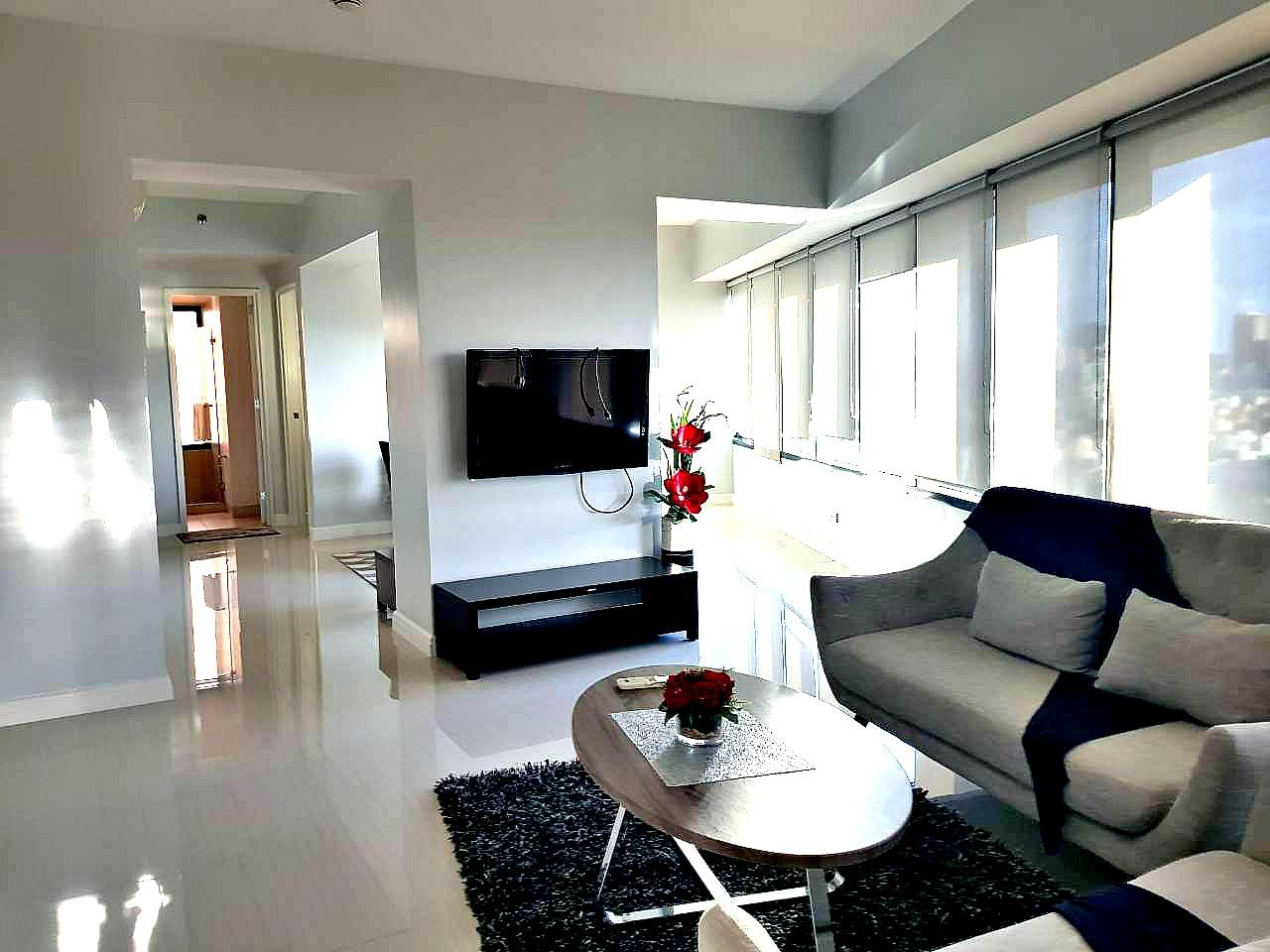 ONE ROCKWELL 3BR CONDO RENT SEE PHOTOS