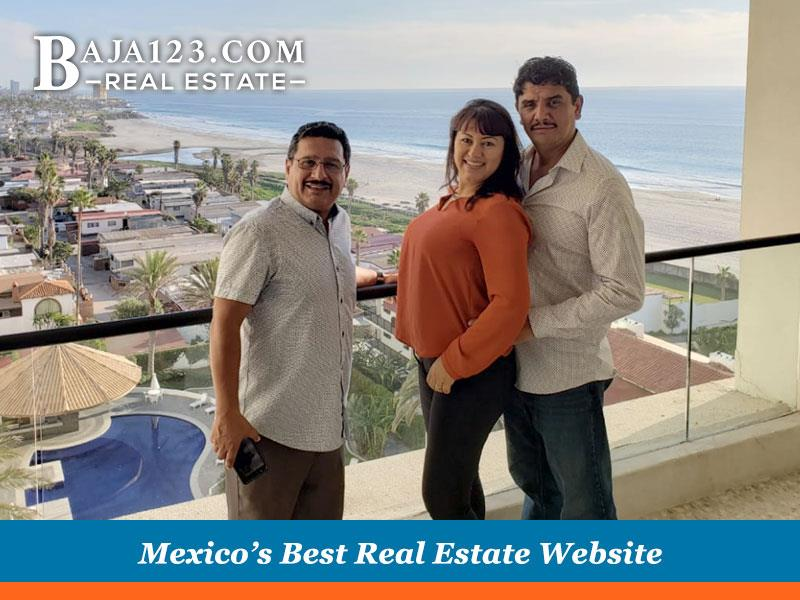 Oscar Mendez' Clients at Rosarito Beach Hotel
