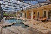 7 Bedroom Formosa Gardens Home to Rent with Pool and Mickey Mouse Shaped Kiddie Pool