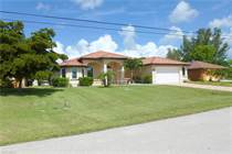 Homes for Sale in Cape Coral, Florida $449,901