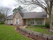 Homes for Sale in Round Oak, Old Jefferson, Louisiana $279,000