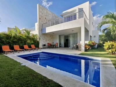 Villa For Sale   3 Bdr   Private Beach  Playa Nueva Romana