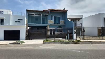 Blvd. Lazaro Cardenas #3123