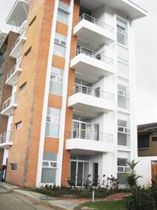 Apartment on the Third Floor of the Tower in Guayabos de Curridabat