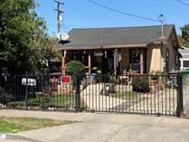 Homes for Sale in Santa Ana, California $450,000