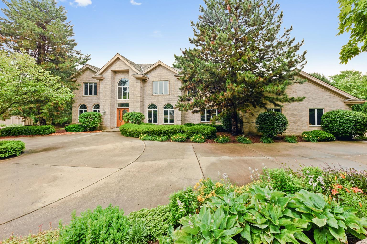 1500 Guthrie Drive, Inverness Hills, IL