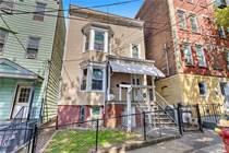 Multifamily Dwellings for Sale in yonkers, New York $499,000