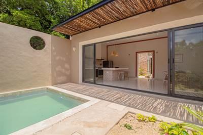 Stunning Colonial w/ Single Floor living