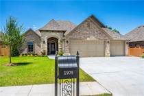 Homes for Sale in Oklahoma, Edmond, Oklahoma $399,000