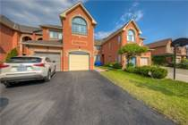 Homes for Sale in New Westminister/Centre, Vaughan, Ontario $999,900