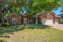 Homes for Sale in Pecan Hollow, Edmond, Oklahoma $294,900