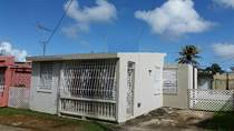 Homes for Sale in Parque Ecuestre, Carolina, Puerto Rico $82,000