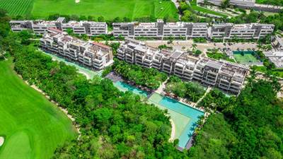 4Br. Condo w/Rooftop and jacuzzi in a Golf course Community  in Corasol, Playa del Carmen