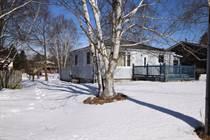 Homes for Sale in Mount Albert, Mt Albert, Ontario $499,000