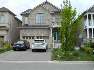All Brick 4 Bedroom Home In Vaughan! 2971 Square Feet!