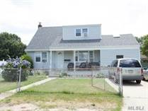 Multifamily Dwellings for Sale in Lindenhurst, New York $549,900