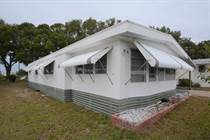 Homes for Sale in Dell Lake  Village MHP, Dundee, Florida $24,500