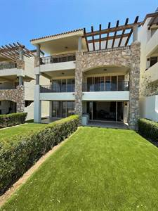 For Rent Beautiful Ground Level condo $1,700 USD