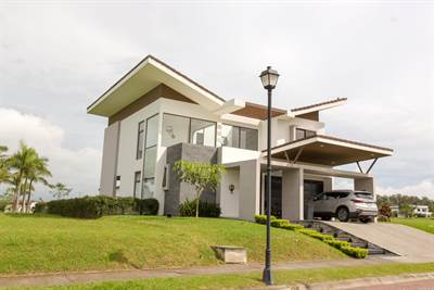 House for sale Los Reyes, Madero negro gated community