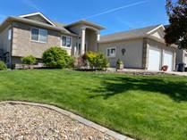 Homes for Sale in Medicine Hat, Alberta $469,900