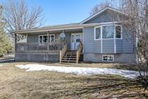 Homes for Sale in Waubaushene, Ontario $684,900
