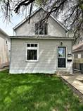 Homes for Sale in Medicine Hat, Alberta $169,800