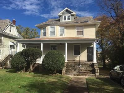 3704 Chatham Rd, Baltimore, MD 21215