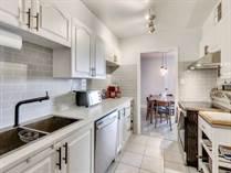 Condos for Sale in Eglinton/Scarlett, Toronto, Ontario $369,000