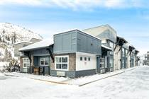 Condos for Sale in Glenmore, Kelowna, British Columbia $345,000