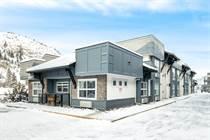 Homes for Sale in Glenmore, Kelowna, British Columbia $329,000