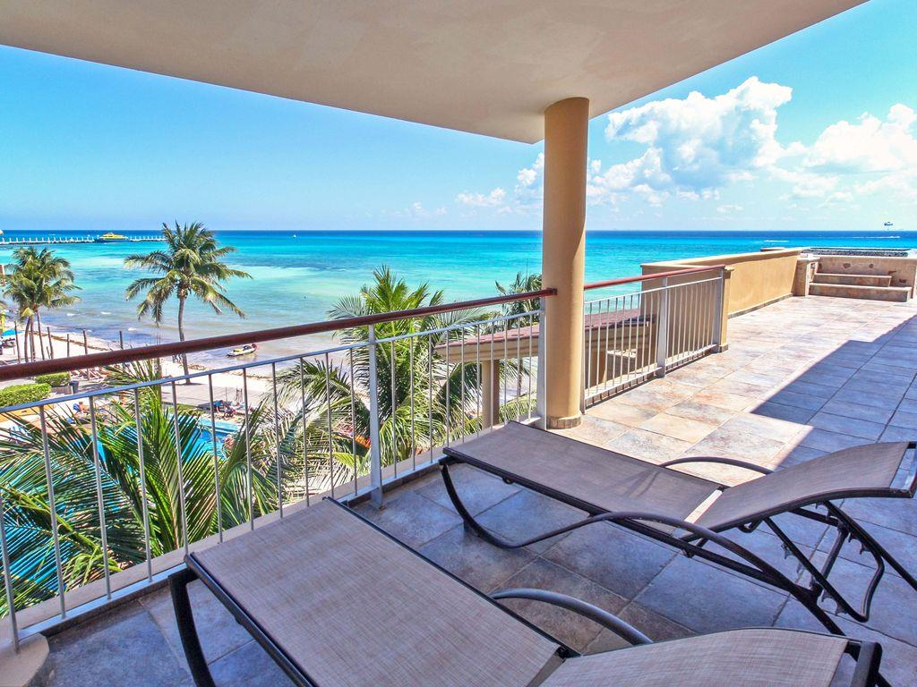 El Faro 3-Bedroom Beachfront Penthouse
