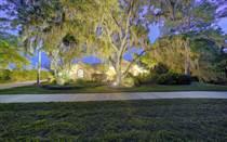 Homes for Sale in Laurel Oak Estates, Sarasota, Florida $899,000